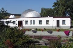Planetarium-und-Sternwarte-Frontansicht