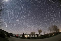 Planetarium-und-Sternwarte-bei-Nacht