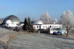 Planetarium-und-Sternwarte-bei-Rauhreif